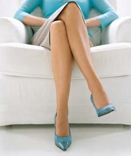 woman-crossing-legs